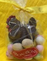 Broody Milk Chocolate Hen with Speckled Eggs (125g)